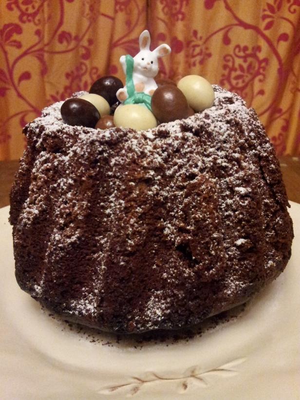 gâteau moelleux de Pâques au chocolat et au miel