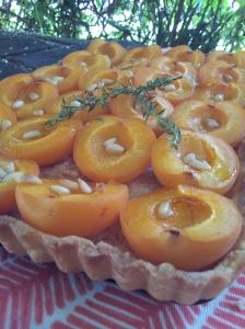 tarte-abricots-miel-thym