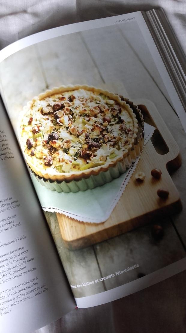 tarte aux blettes et crumble feta-noisette