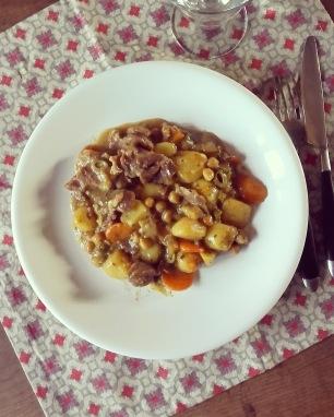 Tajine de mouton, pomme de terre au citron et aux olives