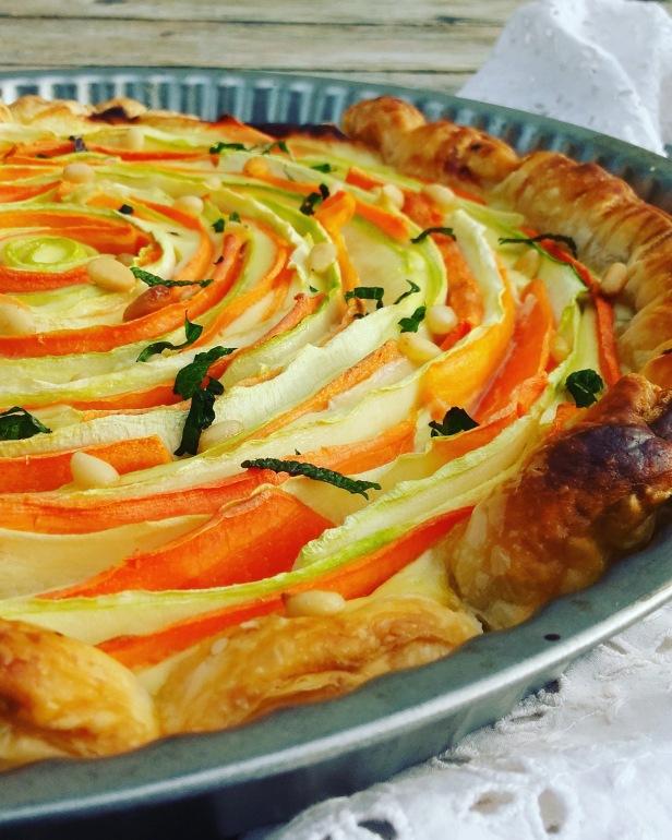 tarte spirale légumes, chèvre frais, miel