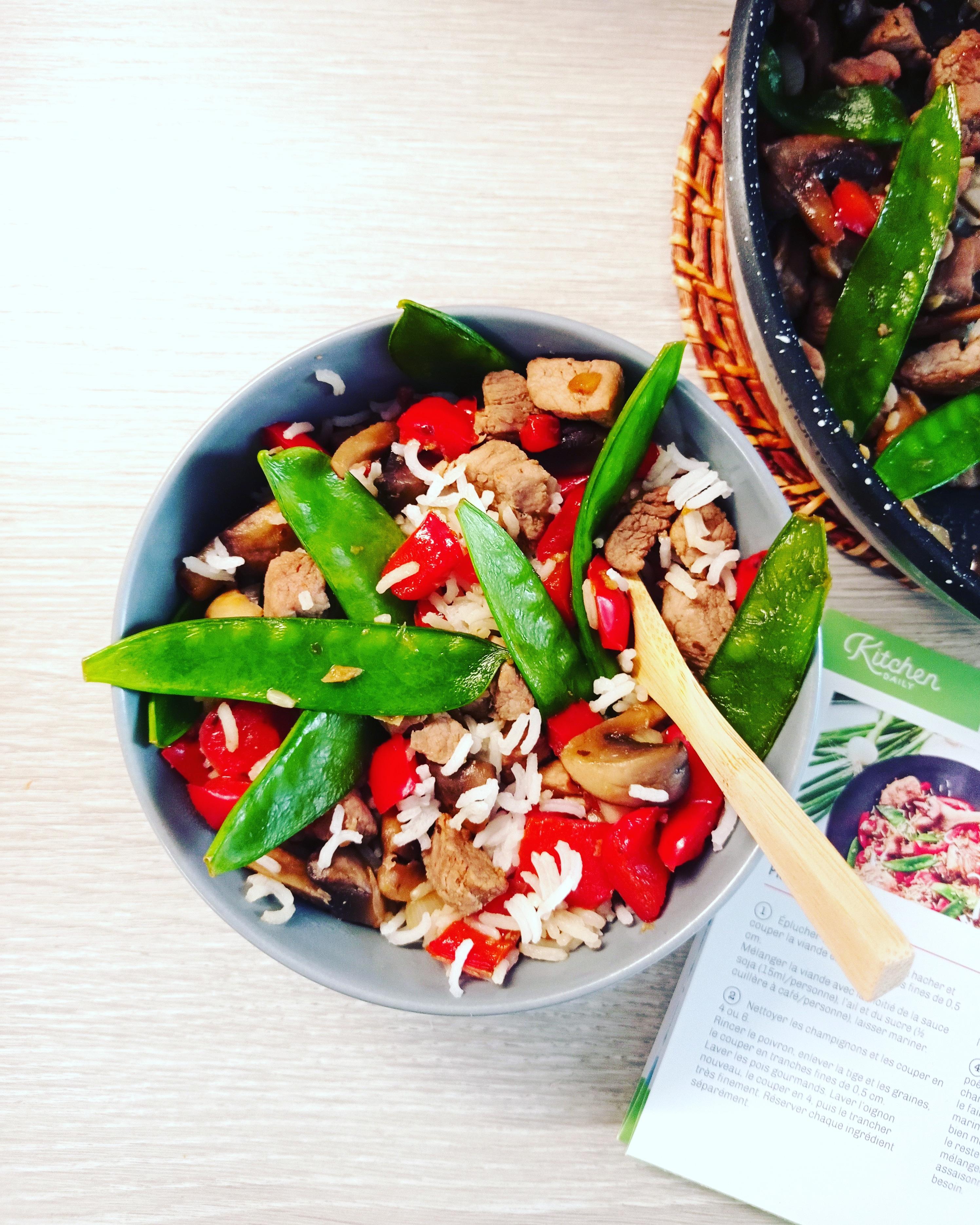 chop suey au porc, poivrons et pois gourmands Kitchendaily