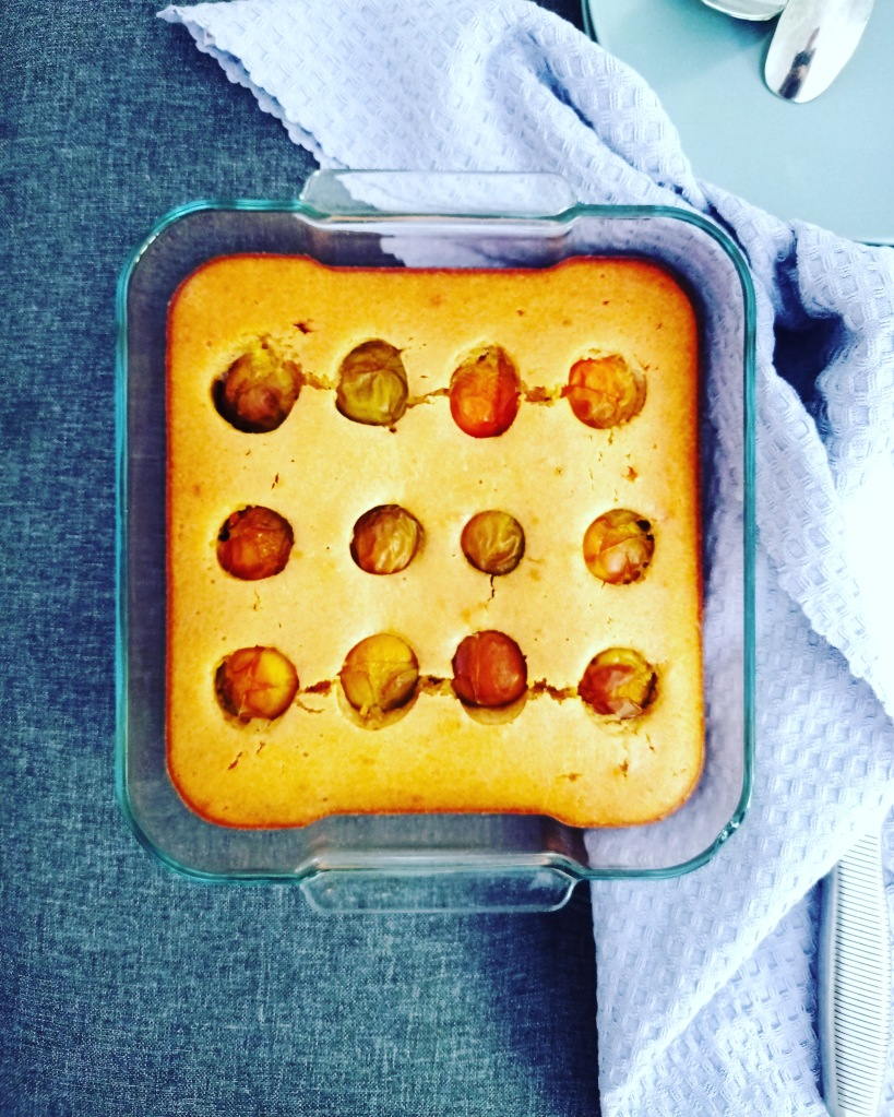 Gâteau au yaourt aux prunes et à l'huile d'olive